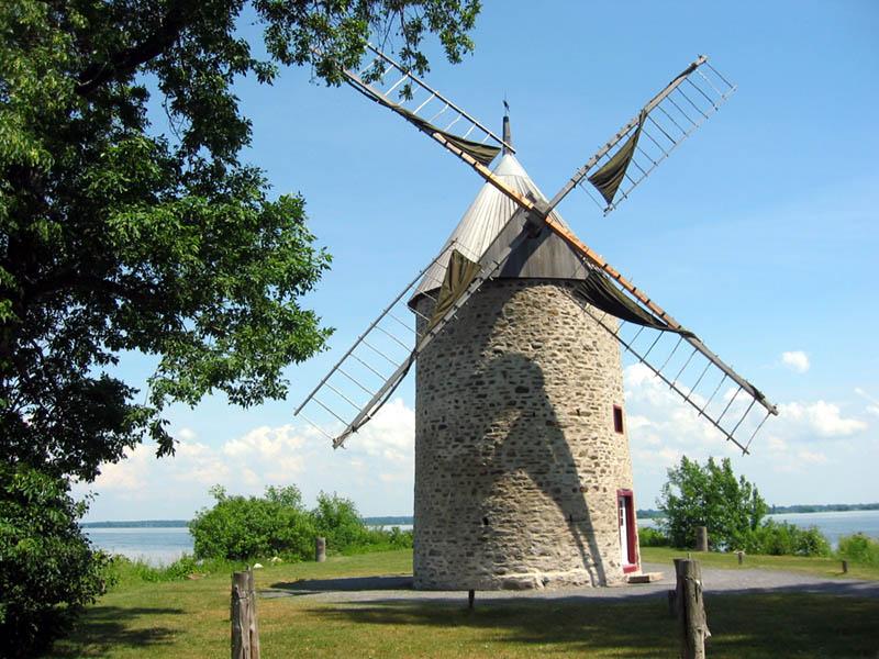 Un vieux moulin à vent au Canada  ScienceJuniorfr